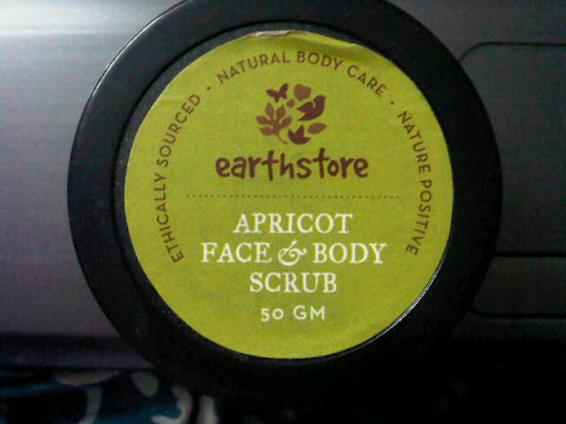 Earthstore Apricot Face & Body Scrub Review