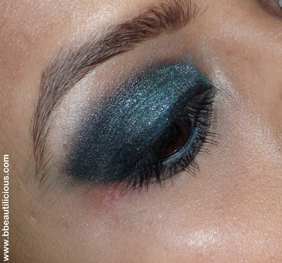 Inglot AMC eyeshadow 62 swatches and review