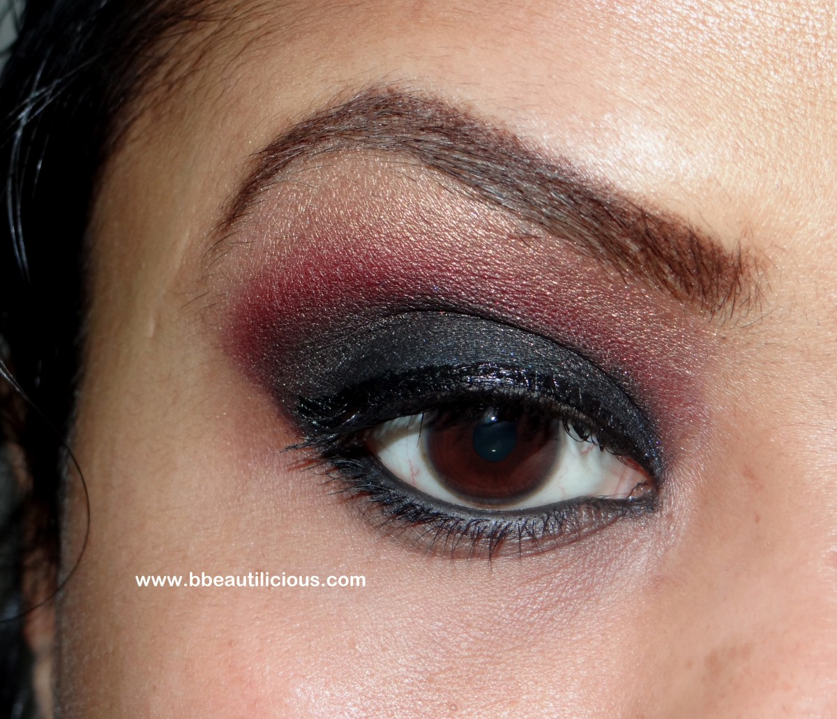 Inglot AMC 61 eyeshadow swatch and review