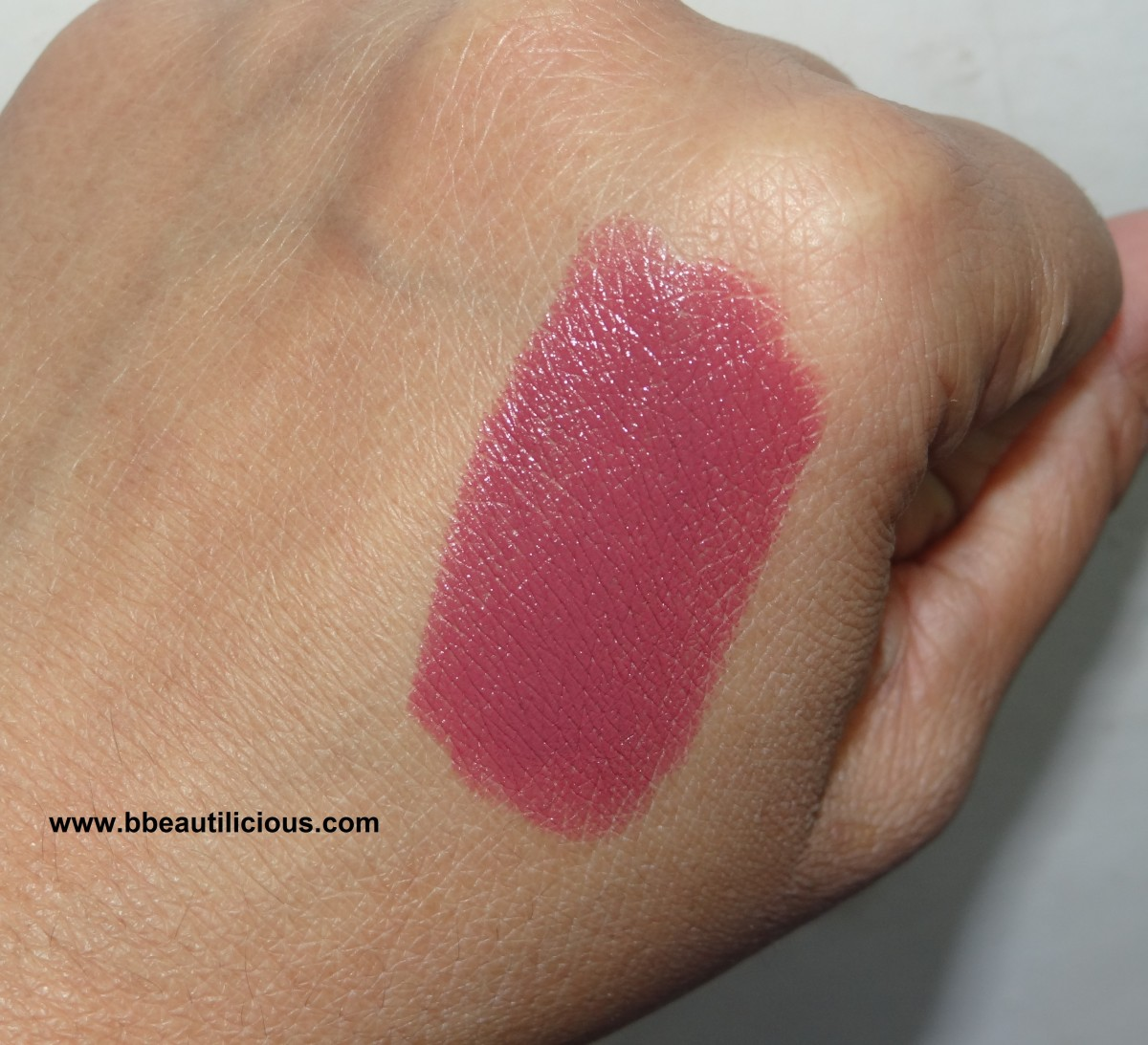 MAC satin lipstick Amorous swatches and review