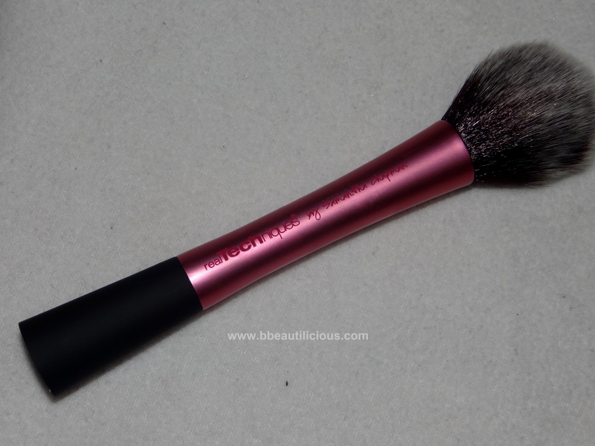 Real Techniques Blush Brush review 1200x900