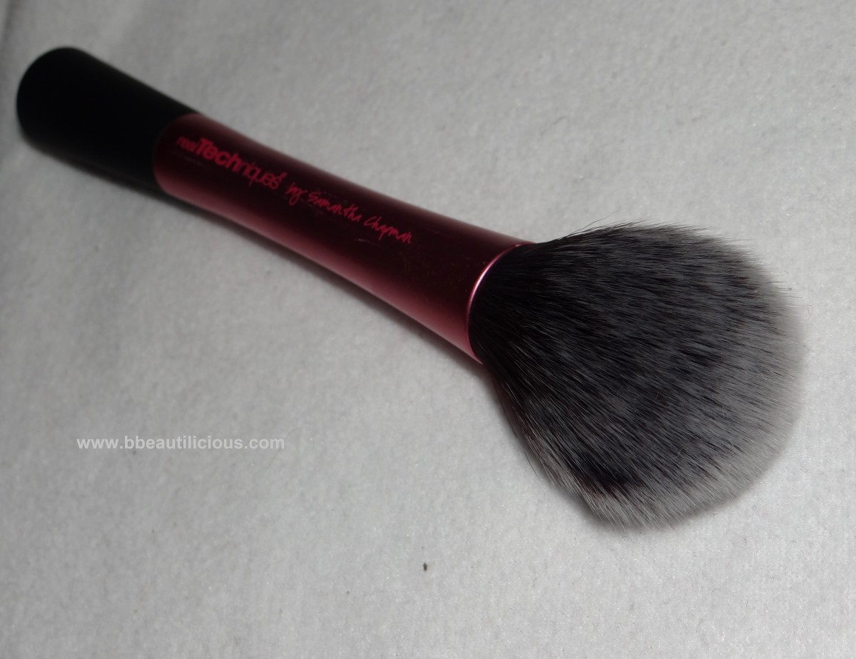 Real Techniques Blush Brush review 2 1200x924