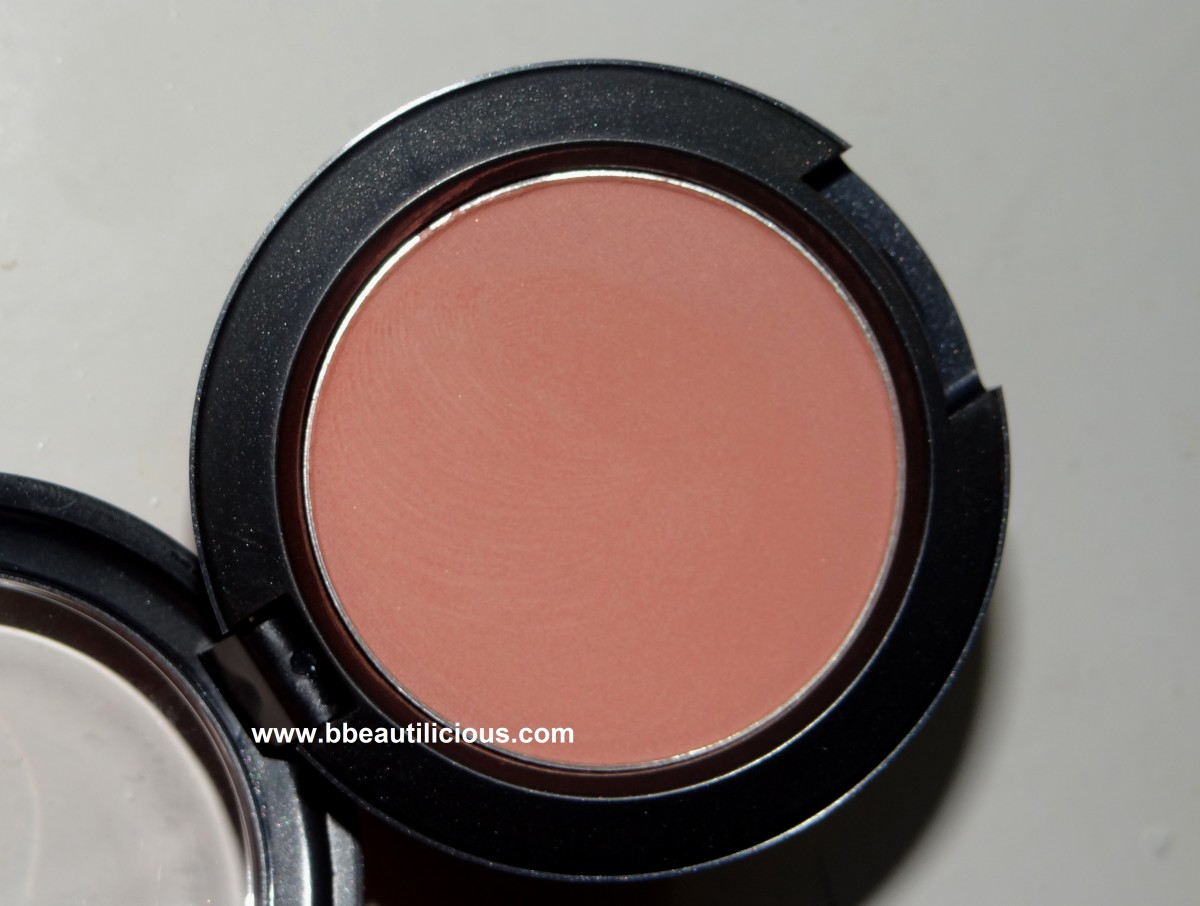 review and swatches MAC Gingerly