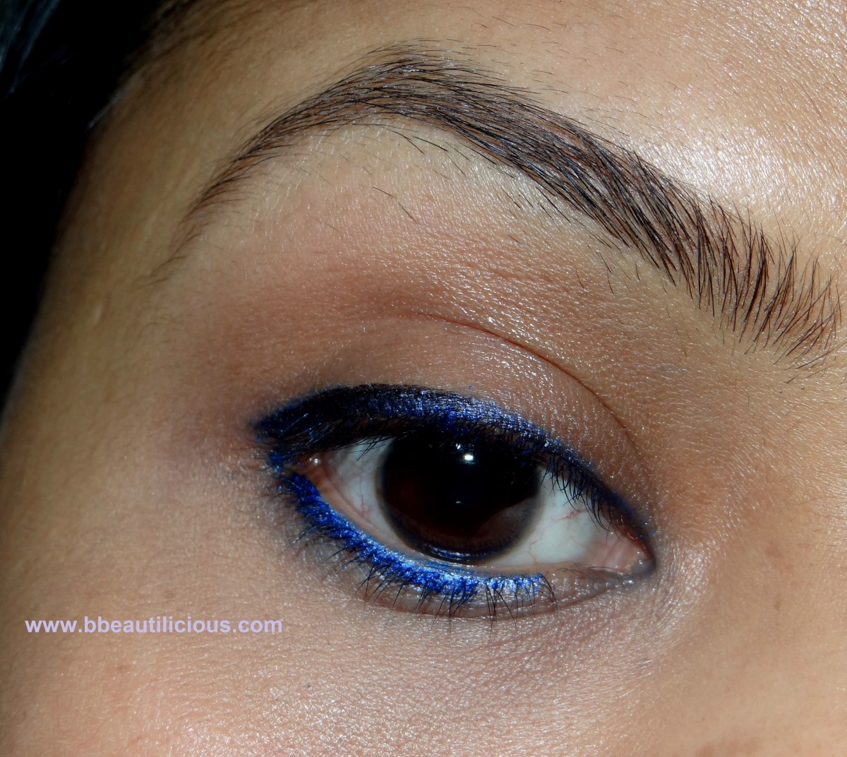 bourjois contour clubbing waterproof eyeliner pencil bleu neon swatches and review