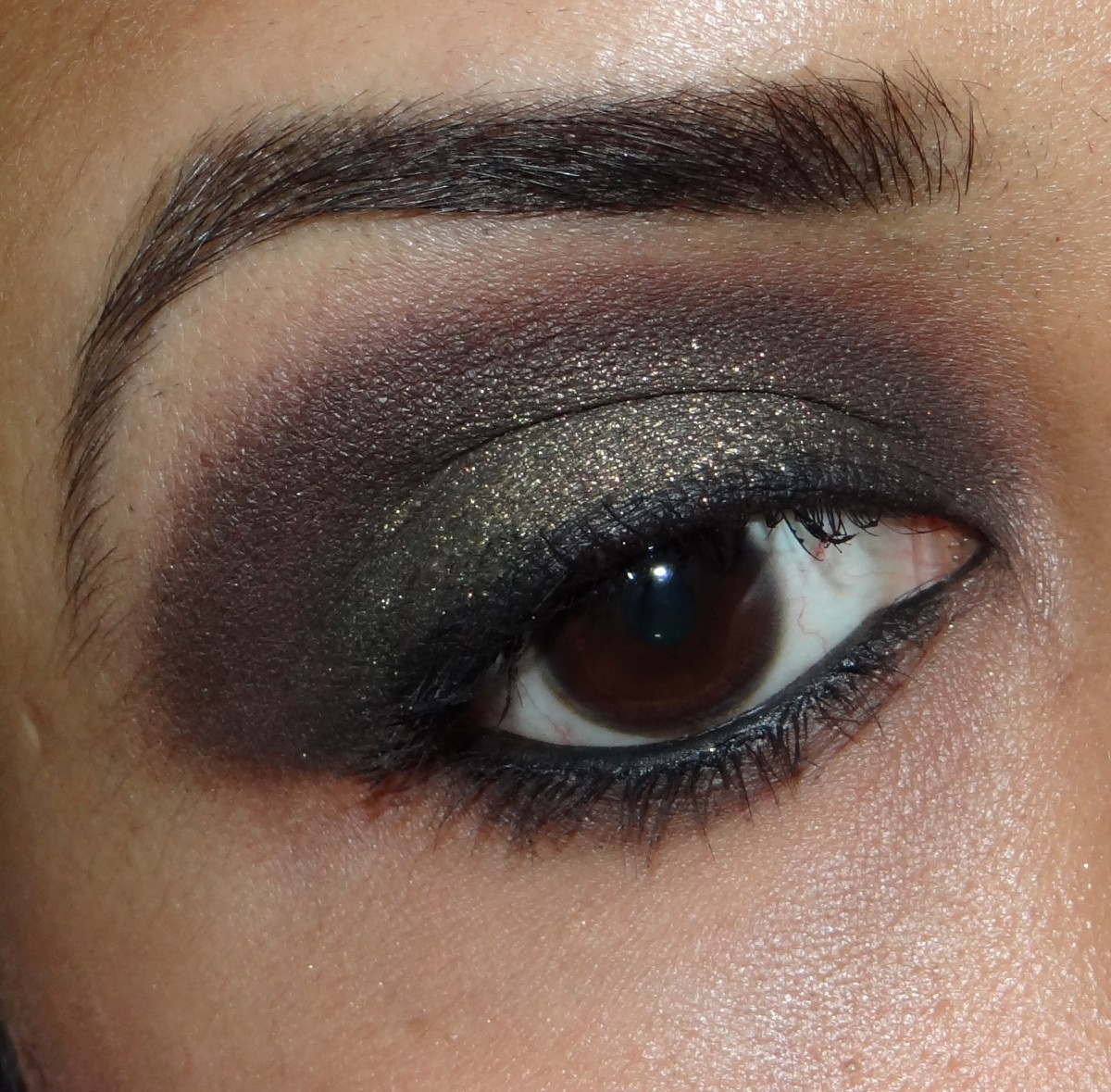 L'Oreal Color Infallible Eyeshadow 040 Cosmic Black review
