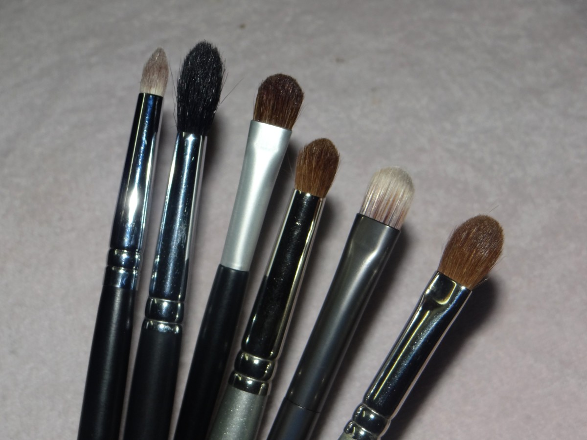 5 must have eye makeup brushes (4)