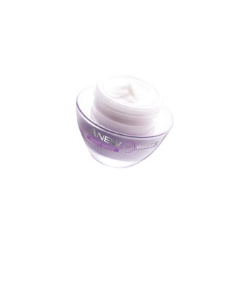 Anew 360° White Illuminating Night Cream MRP 999