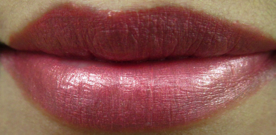 Elizabeth Arden Color Intrigue Effects Lipstick Rosy Shimmer Review (8)