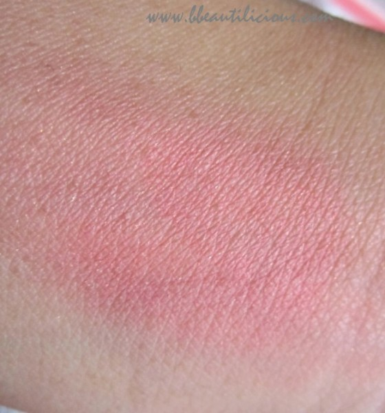 Lotus Herbals Purestay Blush Rose Kiss review (8)