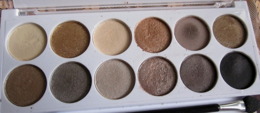 MUA undress me too palette review and swatches (4)