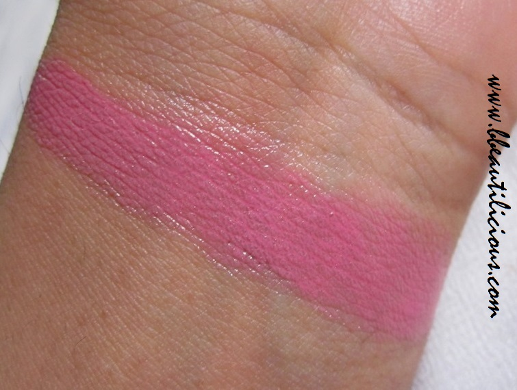 Revlon Colorburst Lip Butter Strawberry Shortcake review  and swatches (1)