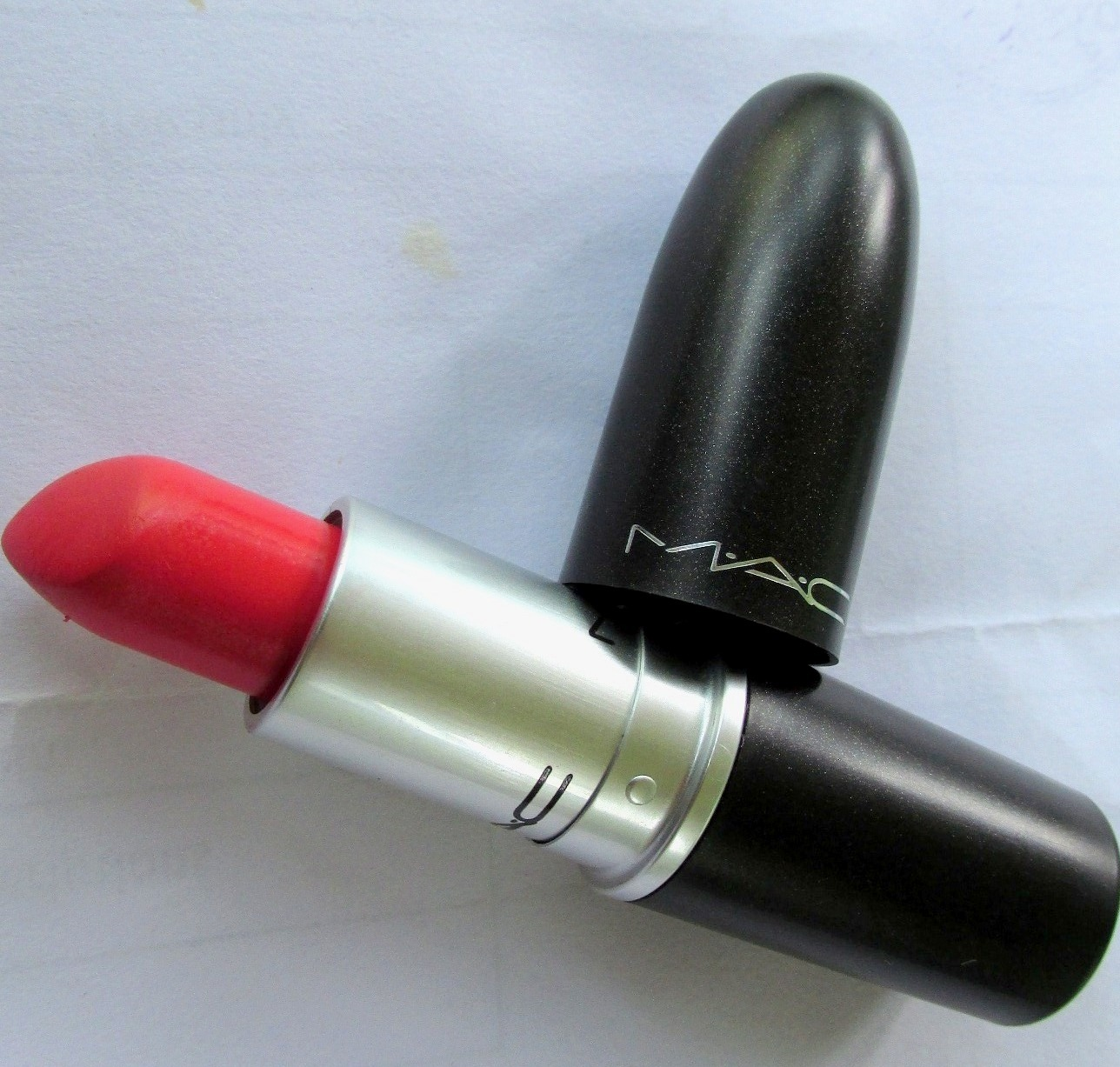 MAC Vegas Volt Lipstick Review swatches (1)