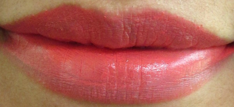MAC Vegas Volt Lipstick Review swatches (5)