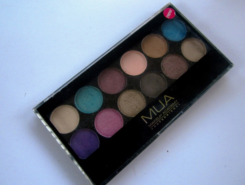 MUA Glamour Days Eyeshadow Palette (2)