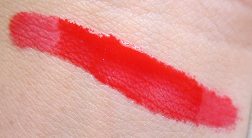 MAC Russian Red Lipglass Review Swatches Pics (1)