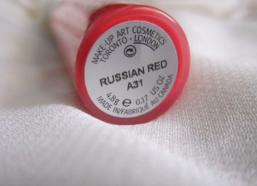 MAC Russian Red Lipglass Review Swatches Pics (4)