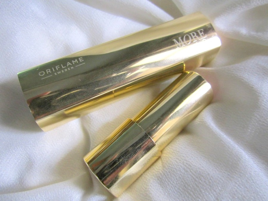 Oriflame More by Demi Moore Lipstick review (6)