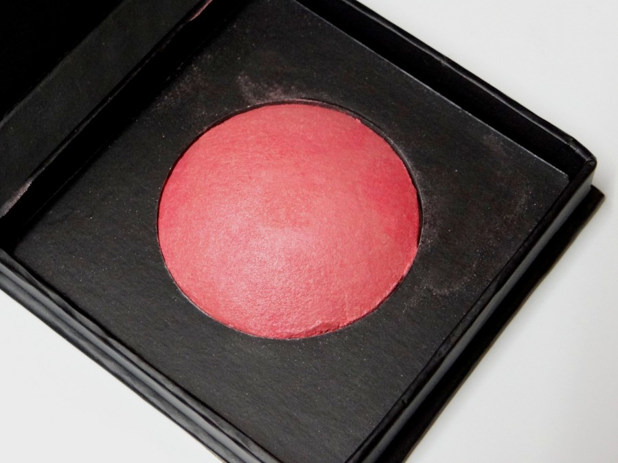 Beautyuk baked blush royal rose review swatches photos (2)