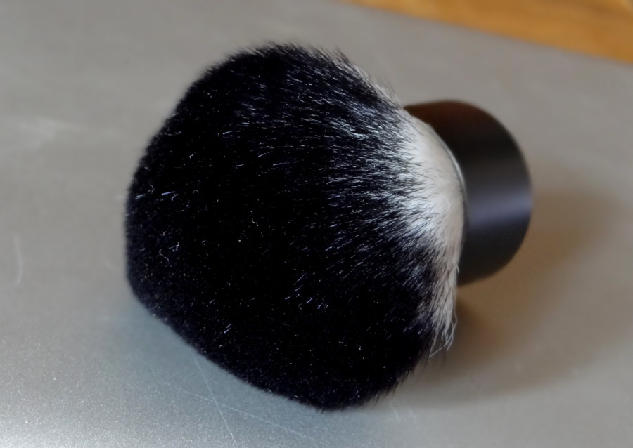 ELF Studio Kabuki Face Brush (2)