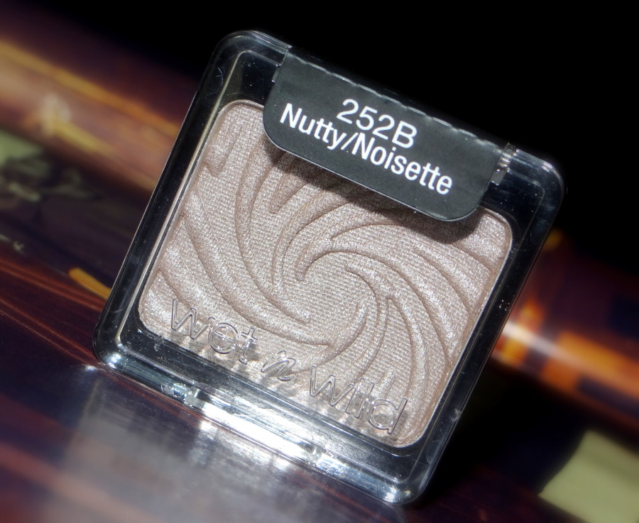 Wet n Wild Coloricon Nutty Eye Shadow  (2)