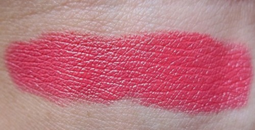 Bourjois Rouge Edition Fraise Remix review and swatches (1)