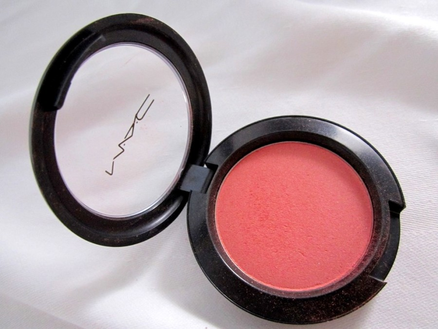 MAC Peachykeen Blush Review Swatches Pics (2)