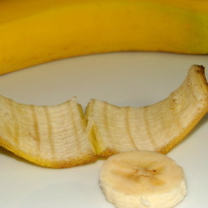 Banana-pulp-and-Peel-for-Skin-Pigmentation-2-800x600