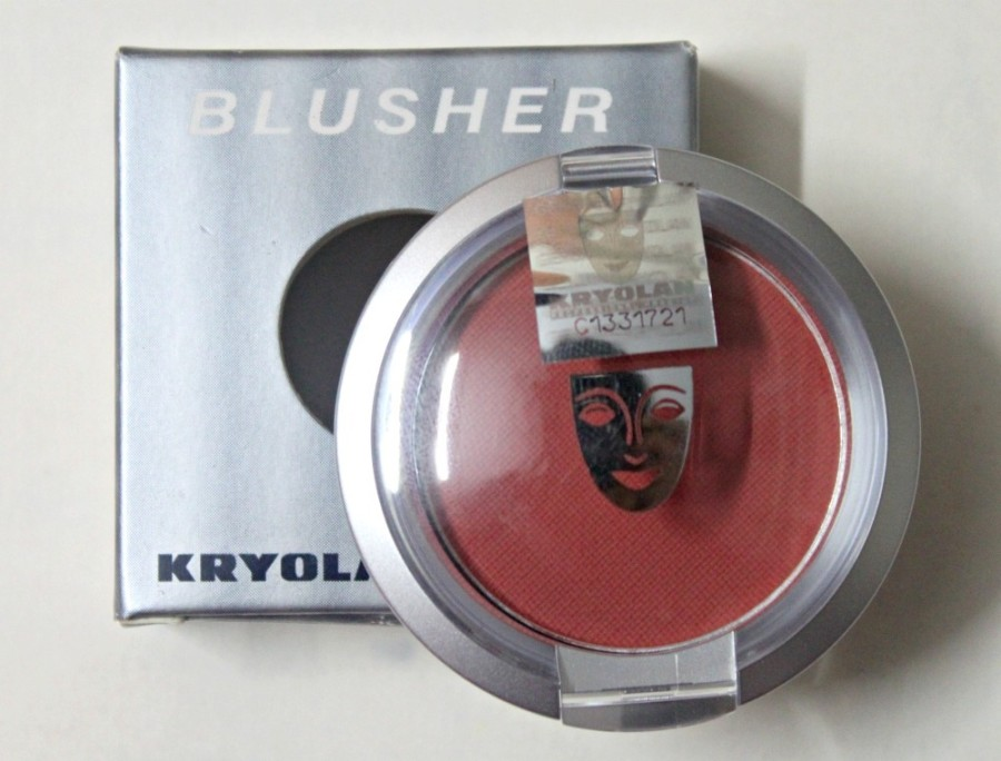 Kryolan Blusher Mocca Review (3)