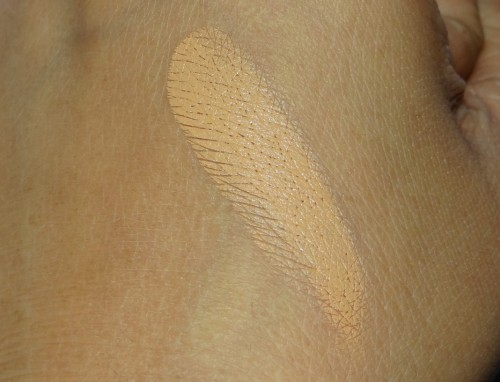 MAC Studio Finish Concealer NC 42 review  (1)