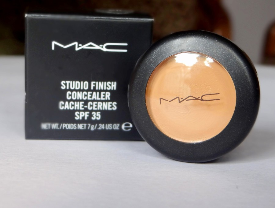 MAC Studio Finish Concealer NC 42 review  (2)