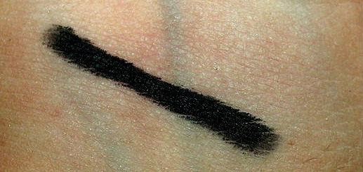 MAC TechnaKohl Liner Graph black Review (1)