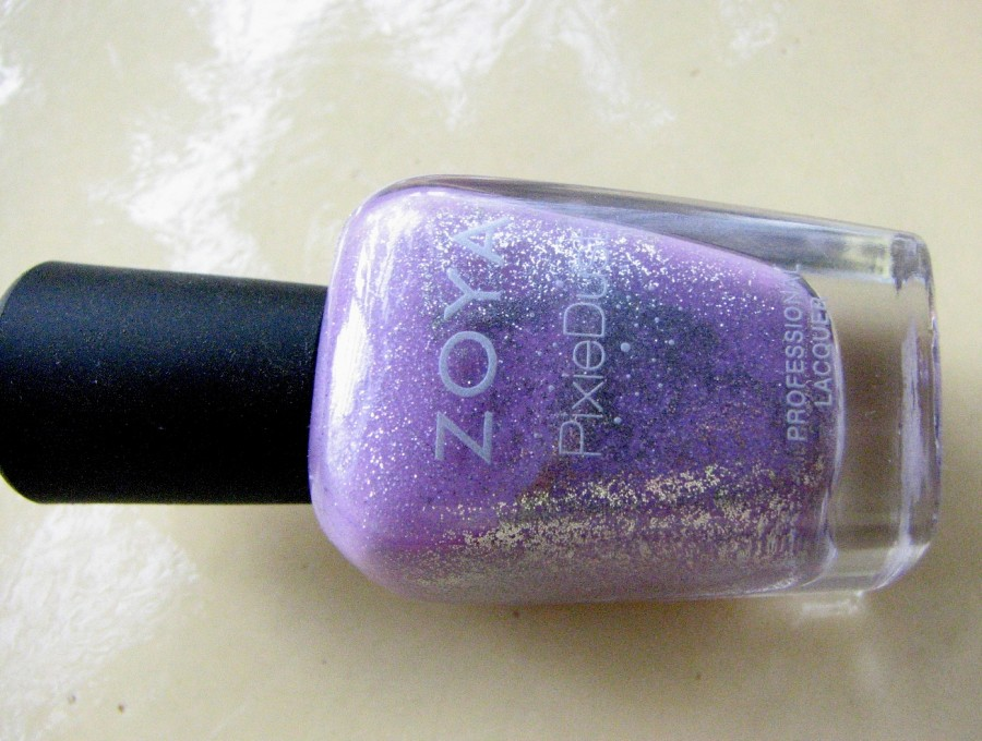 Zoya Stevie Nail polish review (1)