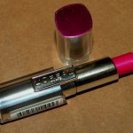 Loreal Paris Rouge Caresse Lipstick Impulsive Fuchsia Review Swatches