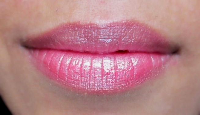 Avon Ultra Color Rich Lipstick Twinkle Pink (1)
