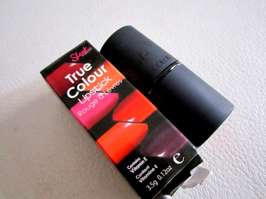 Sleek True Color Lipstick Candy Cane Review (2)