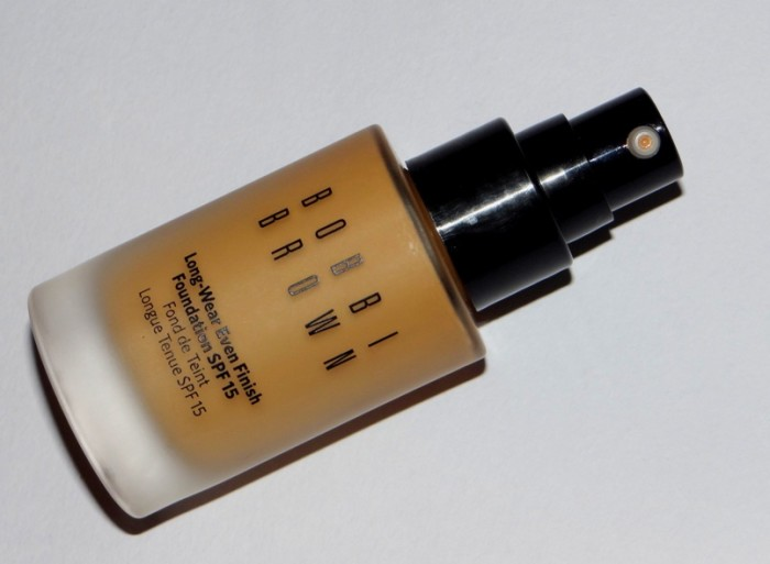 Bobbi Brown Long-wear even finish foundtion review swatches photos (1)