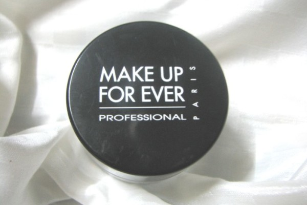 Make-Up-Forever-HD-Powder-Review-and-photos-1-700x525