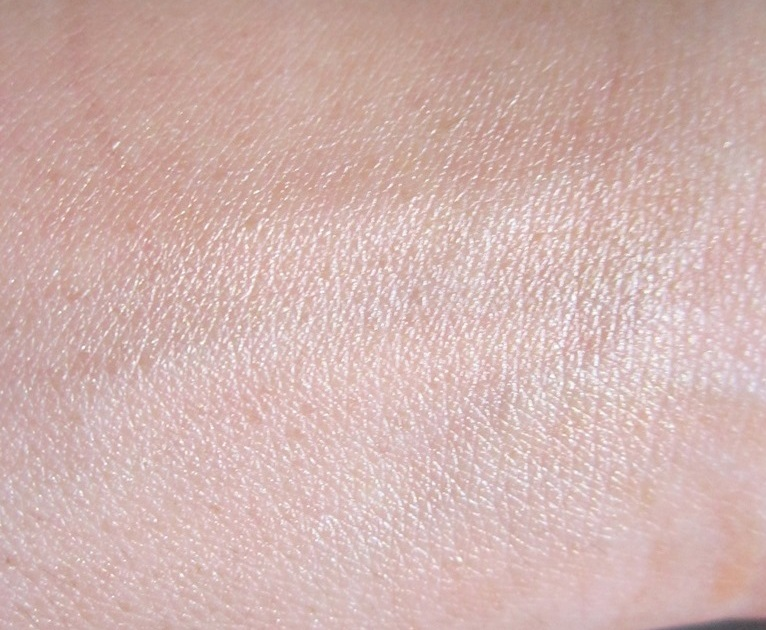 Girl Meets Pearl Liquid Pearl Luminizer for Face by Benefit #20