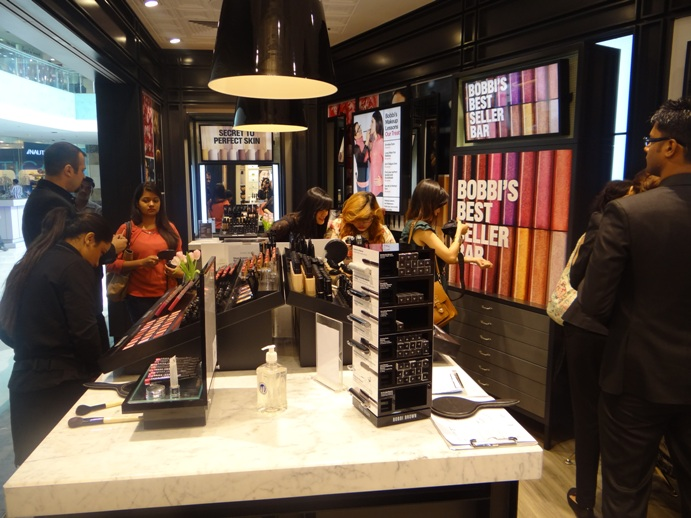 Bobbi Brown Store Ambience Mall Gurgaon India pitures (7)