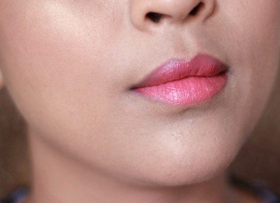 Lakme Absolute Gloss Addict Lipstick Berry Rose  Review Swatches India (3)