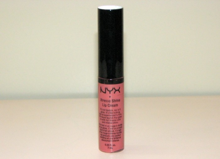 Nyx Xtreme Shine Lip Cream Buttery Nude Review and Swatches (2)