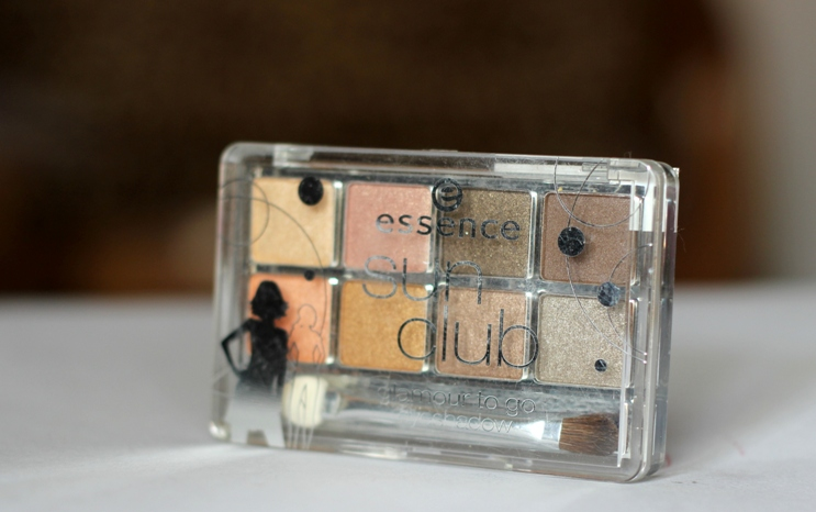 Essence Sun Club Glamour To Go Eyeshadow Palette Review