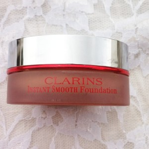 Clarins Instant Smooth Mousse Foundation review swatches photos (1)