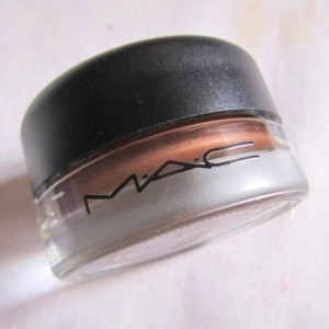 MAC Constructivist Paint Pot Review Swatches Photos india