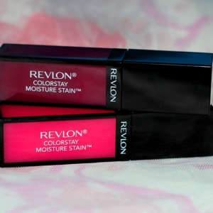 Revlon Colorstay Moisture Stain Review Swatches Photos - Parisian Passion , India Intrigue (2)