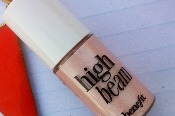Benefit High Beam luminescent complexion enhancer Review Swatches Photos price India (7)