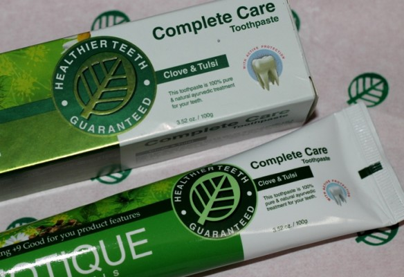 Biotique Bio Micro Clove Action Tooth Paste Review (2)