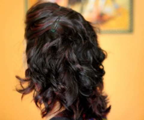 How to curl hair using curling wand india (2)
