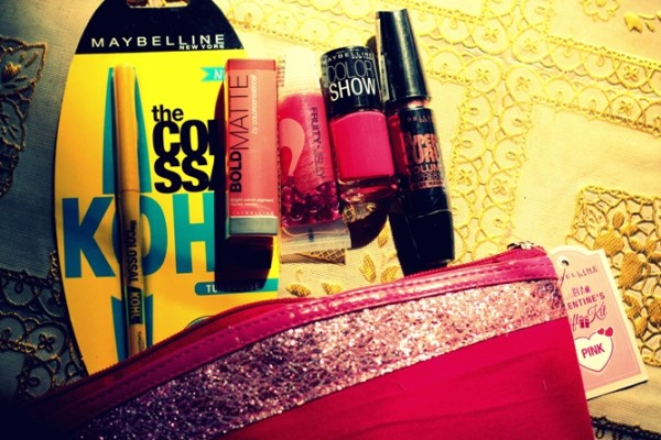 Maybelline Instaglam POuch Valentines Edition review (2)
