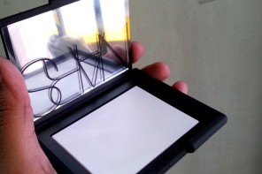NARS Translucent Crystal Light Reflecting Pressed Setting Powder Review